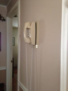 mom-phone-1